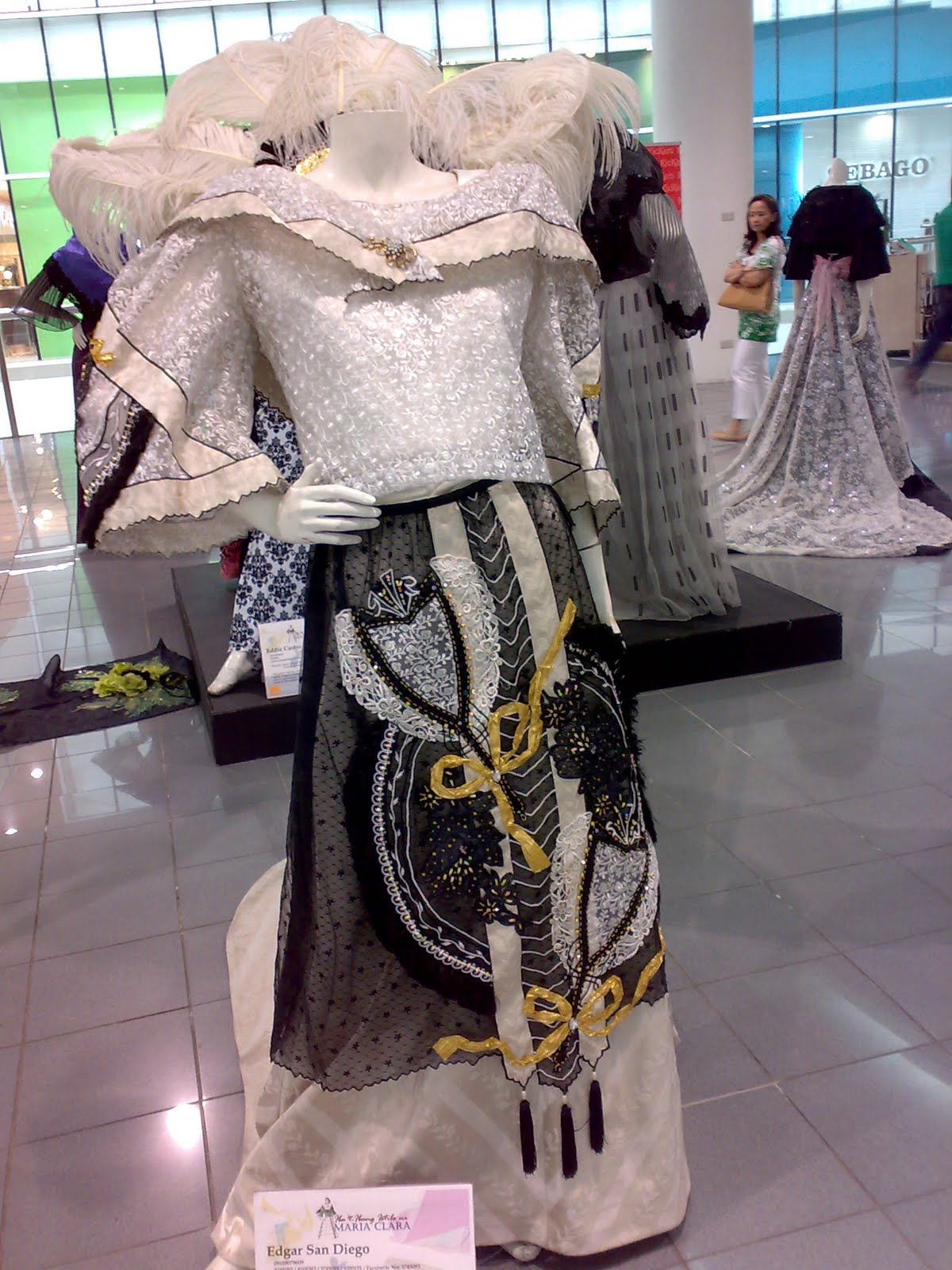 Pictures of Modern Filipiniana Dresses http://nicolethedressupdoll.blogspot.com/2010/04/modern-filipiniana.html