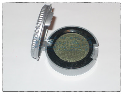 Urban+Decay+Eyeshadow+in+Mildew2