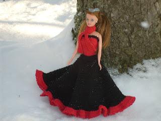 Röd och svart klänning