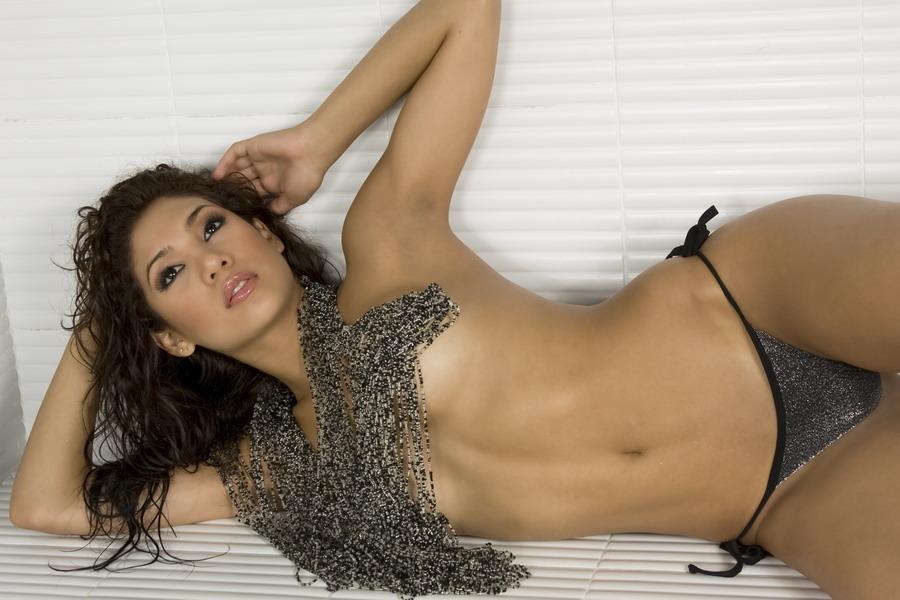 Vanessa Jaramillo En Atrevido Topless Y Mostrando Culazo