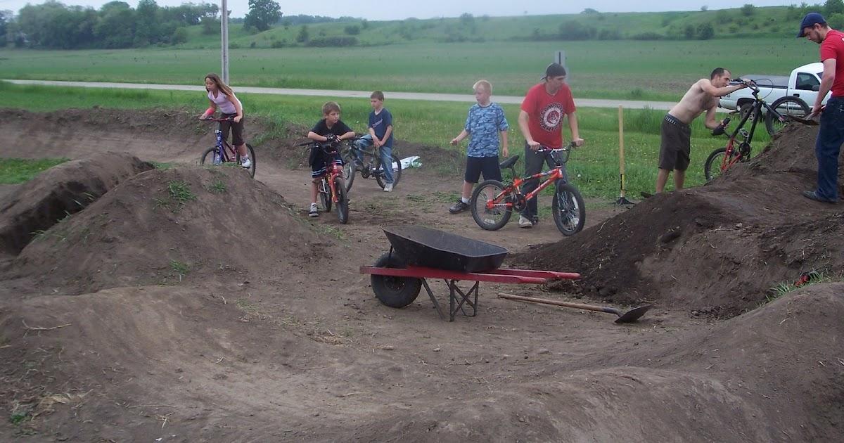 how to build a dirt bike jump