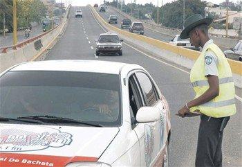 Amet comenzó este sábado a imponer multas e incautar vehículos por  falta malbete