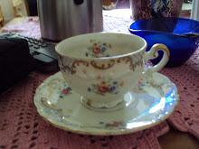 I love Omas vackra, gamla kaffeservis.