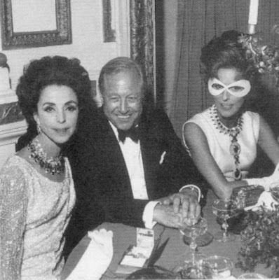 babe paley to the right wearing mask at black and white ball