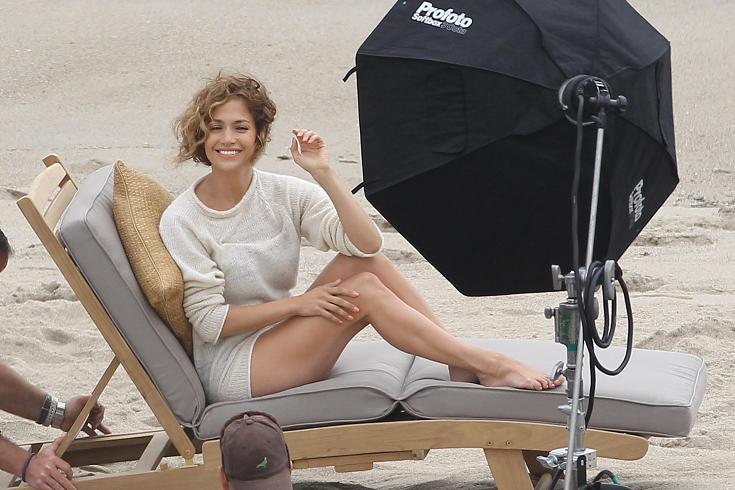 Jennifer Lopez Looks Matronly in Malibu
