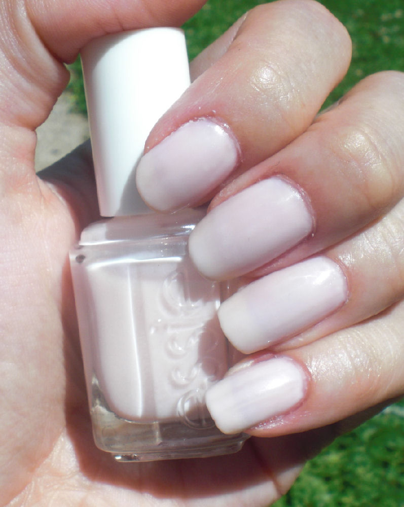 Concrete and Nail Polish: Essie Adore-a-ball