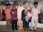 Bersama keluarga di UITM Shah Alam.