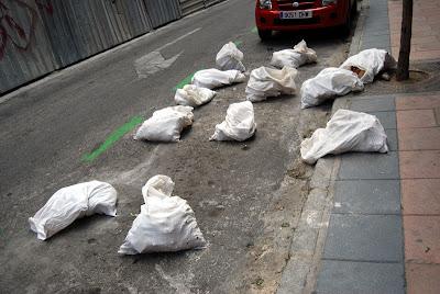 El metronauta - Sacos de escombro ...