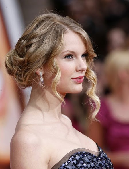 diy updo hairstyles_23. taylor swift updos back. Taylor Swift looks like a