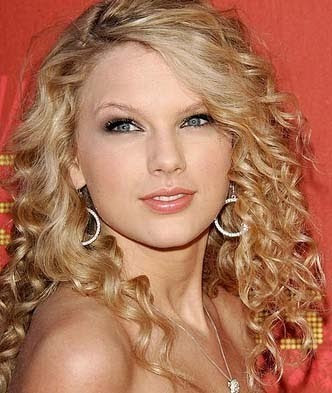 Taylor Swift Natural Hair, Long Hairstyle 2011, Hairstyle 2011, New Long Hairstyle 2011, Celebrity Long Hairstyles 2051