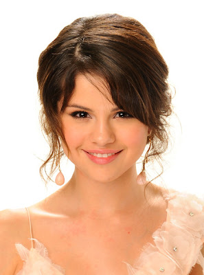 selena gomez long side part hairstyles