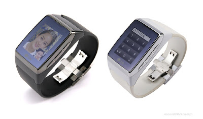 LG GD910-The  first 3G watch phone