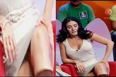 Penelope Menchaca Corazones Calzoncitos Blancos