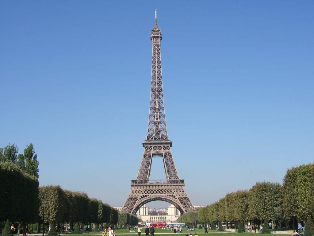 Gambar: Foto Menara Eiffel: websitegambar.blogspot.com/2012/01/foto-menara-eiffel.html