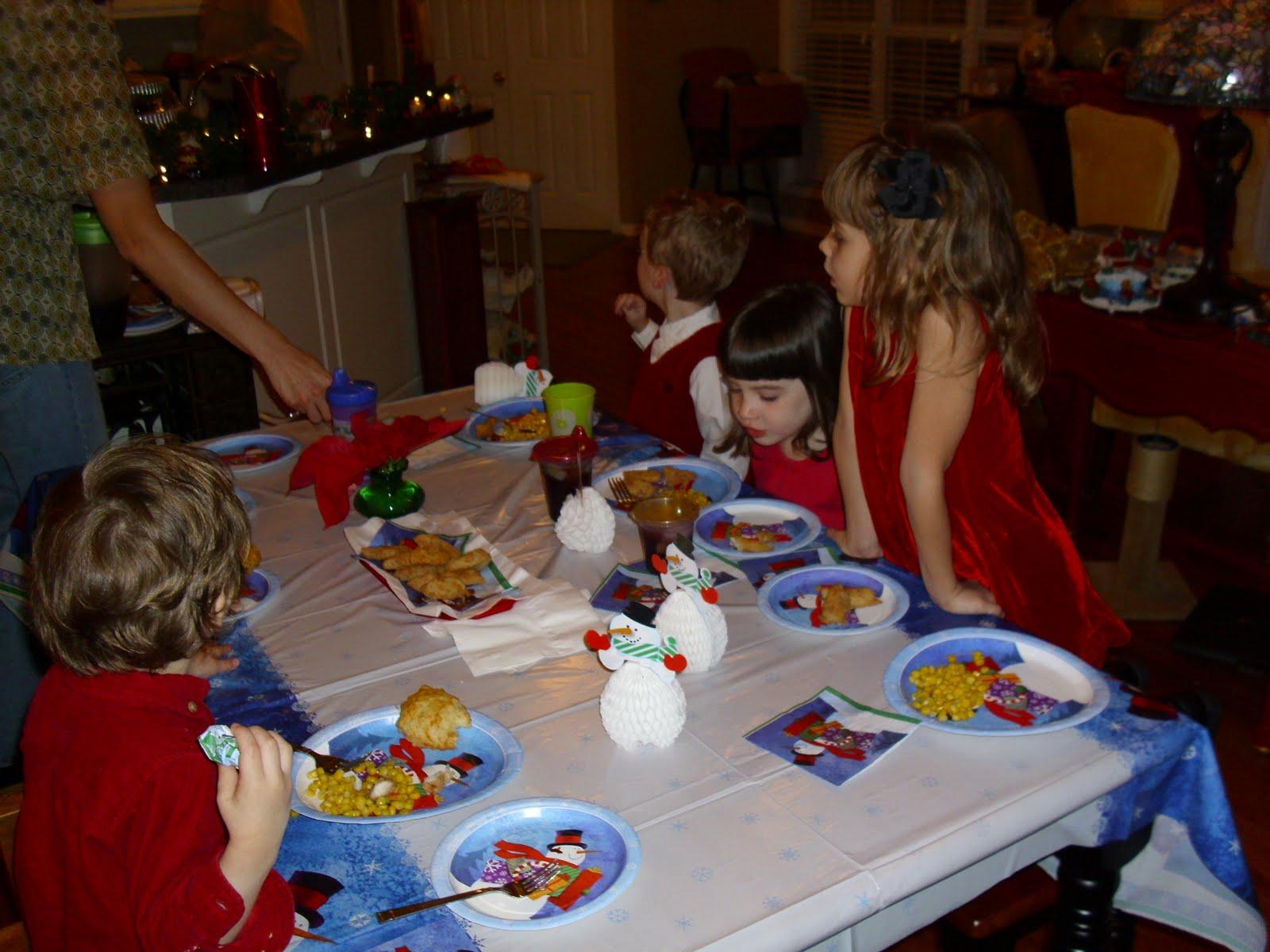 [Christmas+Eve+Kid's+Table]