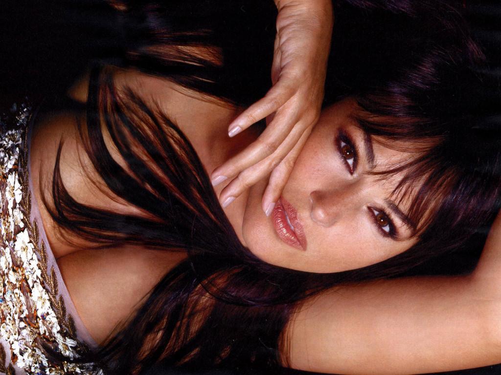 http://2.bp.blogspot.com/_CdNBXPr_POo/TQE5c8jf0TI/AAAAAAAAASQ/SRcMtXOQ8-c/s1600/Monica-Bellucci-5.jpg