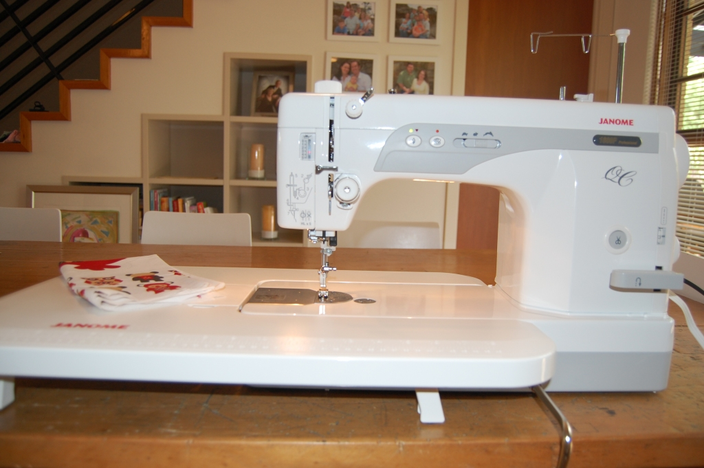Kate Conklin Designs: Introducing the Janome 1600p QC
