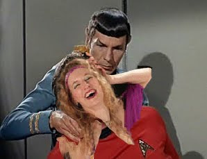 Kelly uses the Vulcan Mind Meld to locate the most painful spot possible in my neck