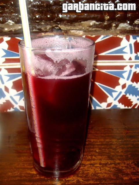 Rossini, la enigmática y famosa bebida del Bar La Barra