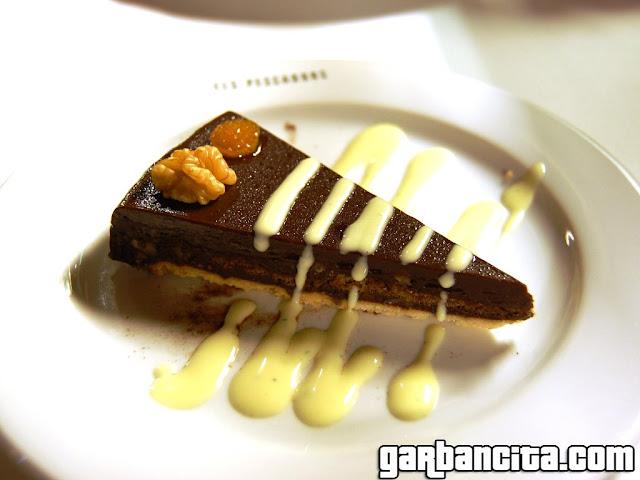 Pastel de chocolate con crema de menta