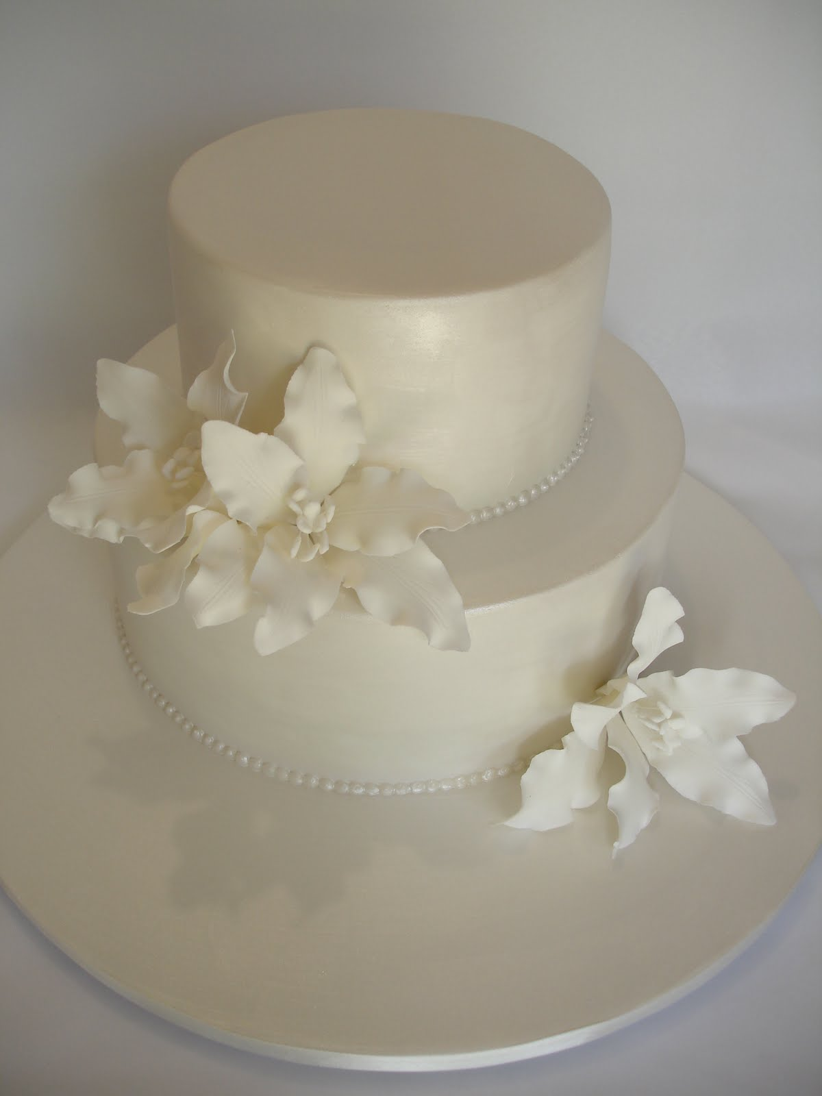 Simple White Two Tier Wedding Cake Viewing Gallery