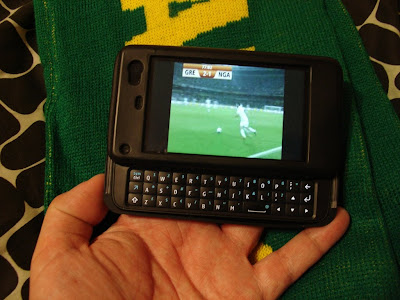 Streaming football via Optus on the N900