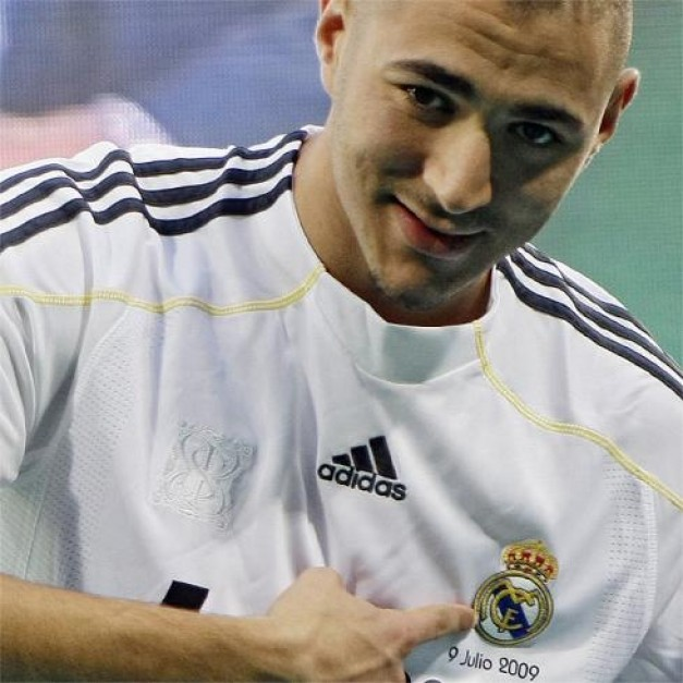 INTERNATIONAL FOOTBALL PLAYERS: Karim BENZEMA is a French national ...