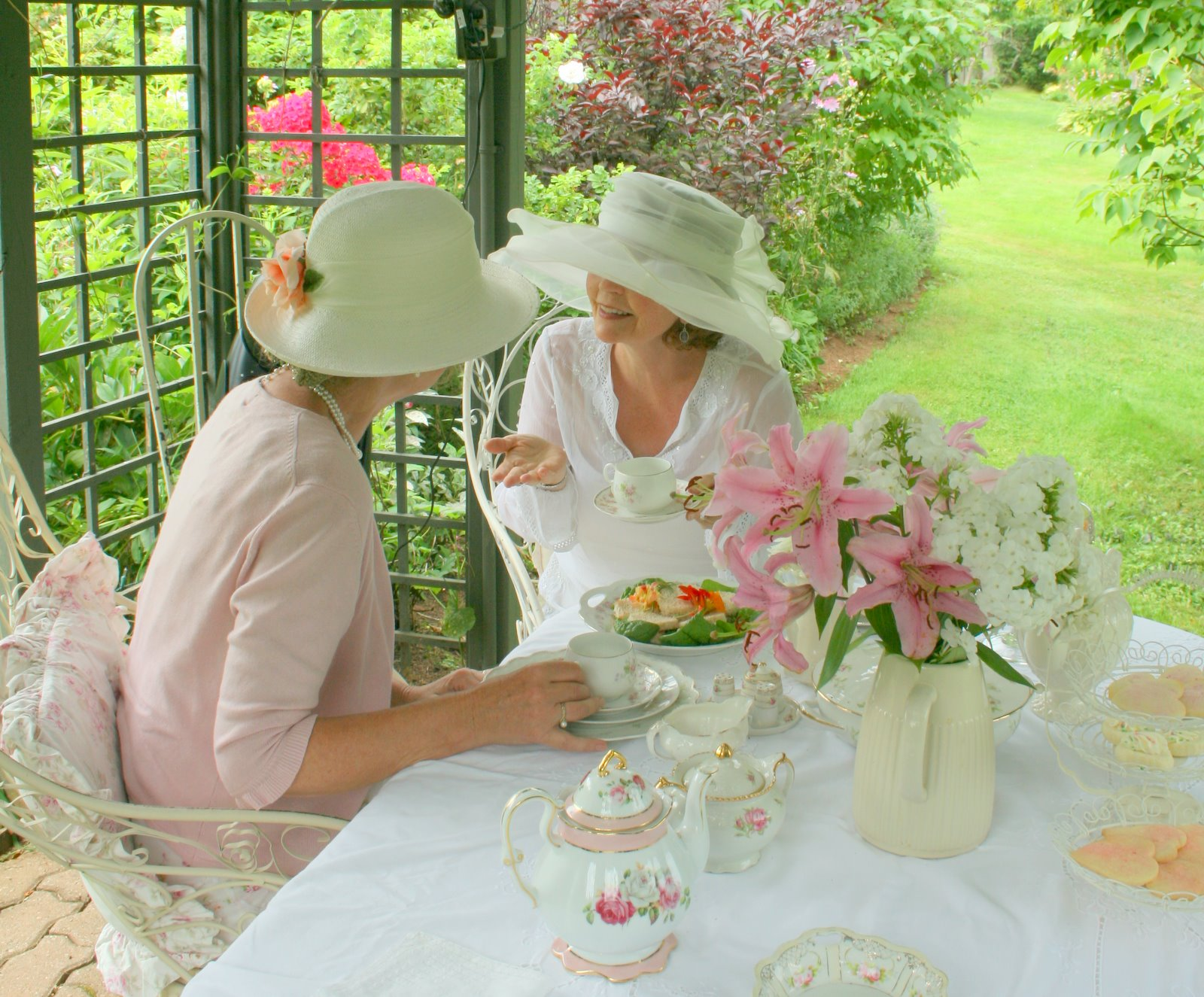 Aiken House & Gardens: A Summer Afternoon Garden Tea