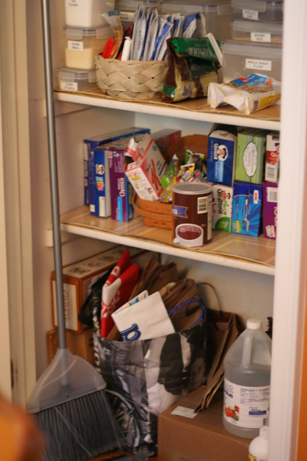 IHeart Organizing: Reader Space: Heather's Pretty Pantry. Full resolution  portraiture, nominally Width 1067 Height 1600 pixels, portraiture with #B33E18.