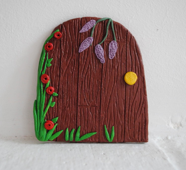 Mudmeddling fairy door painted for Painted fairy doors