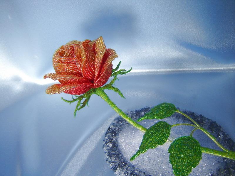 14 окт 2012 Бутон розы из бисера.  Плетение французское.