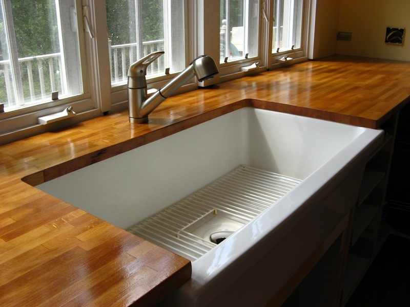 Design plus you wood countertops in the kitchen for Installing butcher block countertops