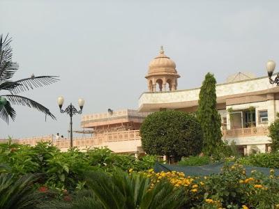 Barsana Dham Hindu Temple founded by Jagadguru Kripaluji Maharaj 4