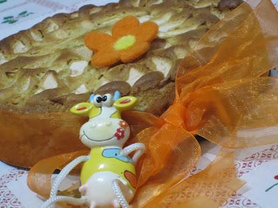 Torta con crema e mele