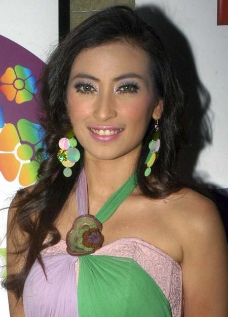Annisa Trihapsari, Indonesian Artis, Artis Indonesia, Artis Bugil, Artis Telanjang, Foto Artis, Photo Artis, Gambar Artis