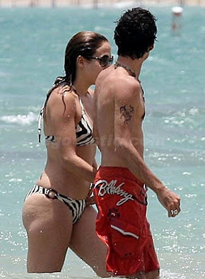 Jennifer Lopez Swimsuit on Images Jennifer Lopez Bikini