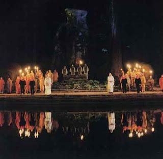 http://2.bp.blogspot.com/_Cu2Vdj_ODc0/TC_8lcwvJNI/AAAAAAAABWI/6N8dY-VvHqQ/s1600/bohemian-grove-satanic-gathering.jpg