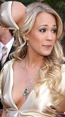 Carrie Underwood nip slip