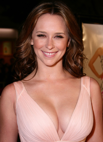 Jennifer Love Hewitt hot news