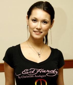 menyebutkan Maria Ozawa alias Miyabi datang ke Indonesia. Yup, artis ...