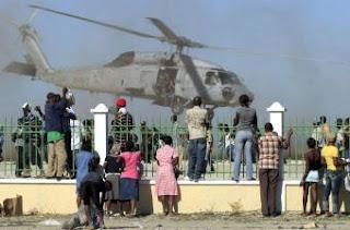 Miles de personas abandonan Puerto Príncipe ante la falta de ayudas. REUTERS
