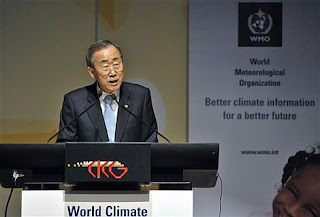 Ban Ki-moon en su discurso durante la cumbre celebrada en Ginebra. AP Photo