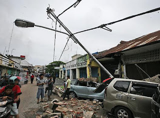 Desastre humanitario en Sumatra por terremotos