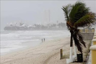 Rick se convierte en huracán de categoría 4 y es extremadamente peligroso