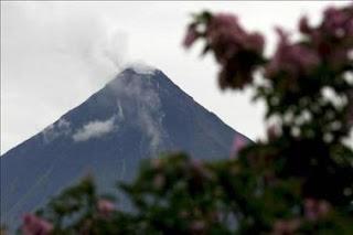 El volcán Concepción de Nicaragua registra explosiones y lanza gases y cenizas. EFE