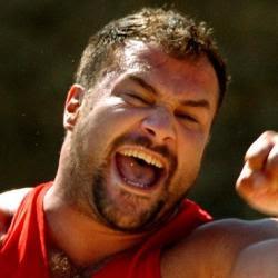 El lanzador de peso, Manuel Martínez, interpretará a Goliat
