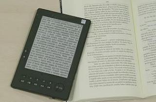 Aconsejan usar correctamente los libros digitales para evitar problemas en la vista