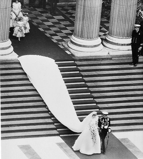 princess diana wedding dress train. princess diana wedding gown.