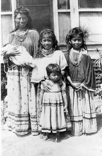 Algonquin Woman with Children