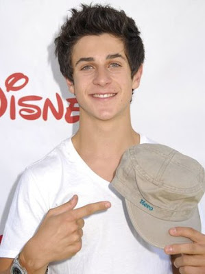 Fotos] David Henrie de los Hechiceros de Waverly Place